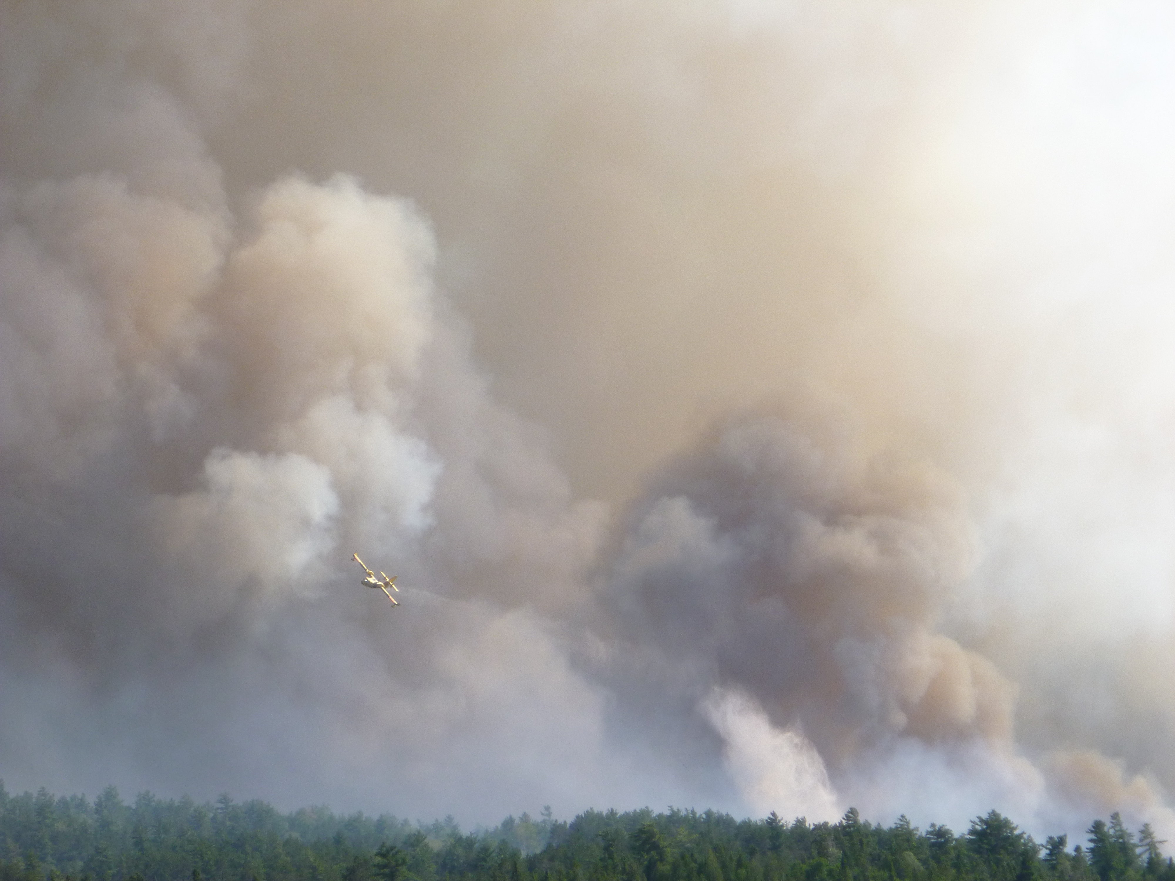 Town of Temagami under evacuation alert.