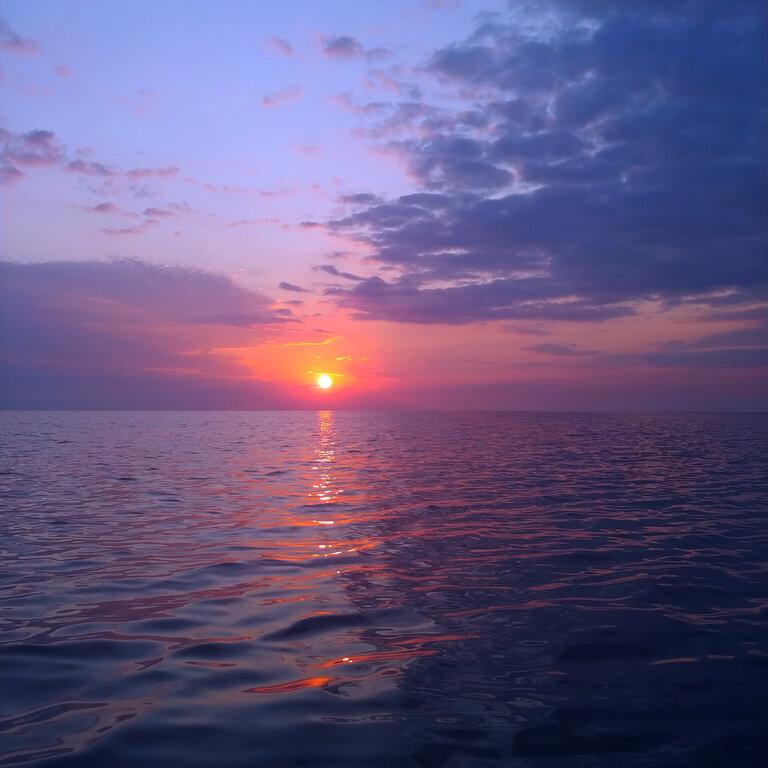 2085800178_Sunrise1.jpg